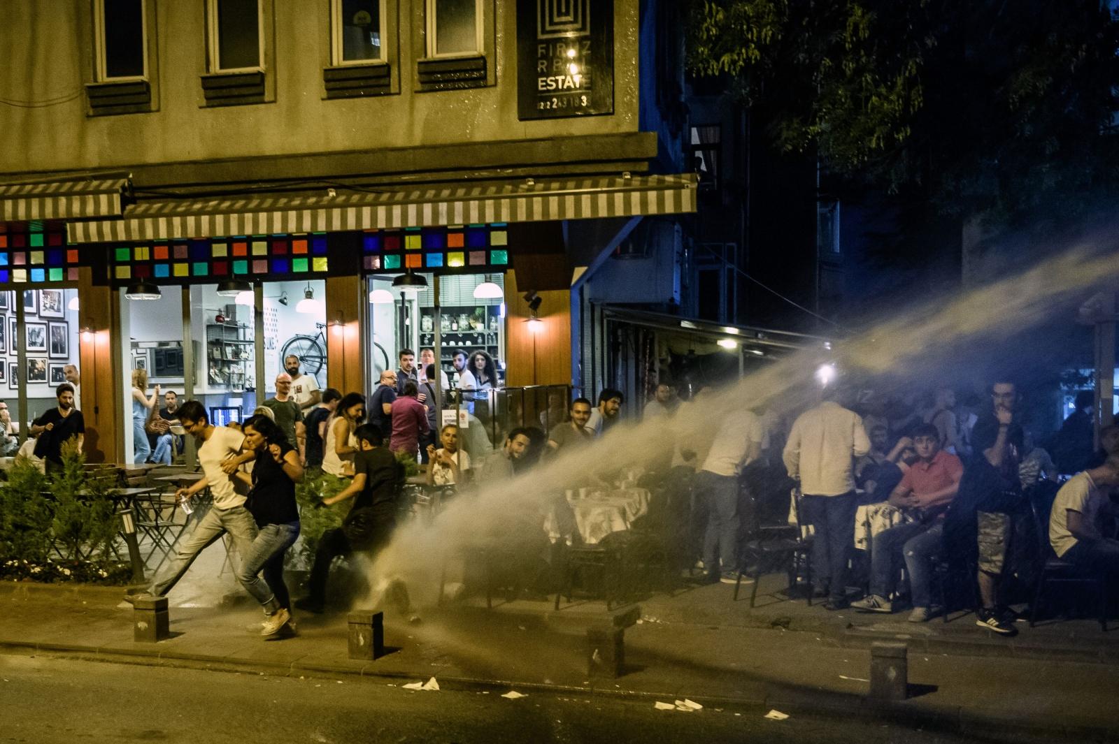 Istanbul riot Radiohead Ramadan Turkey Islam