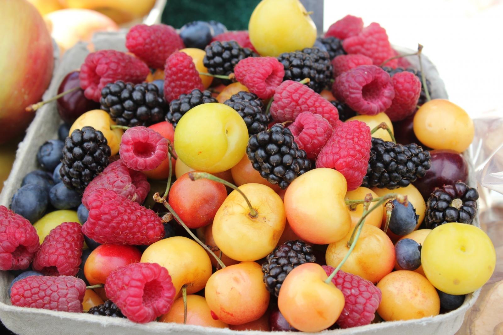 fruits raw vegan