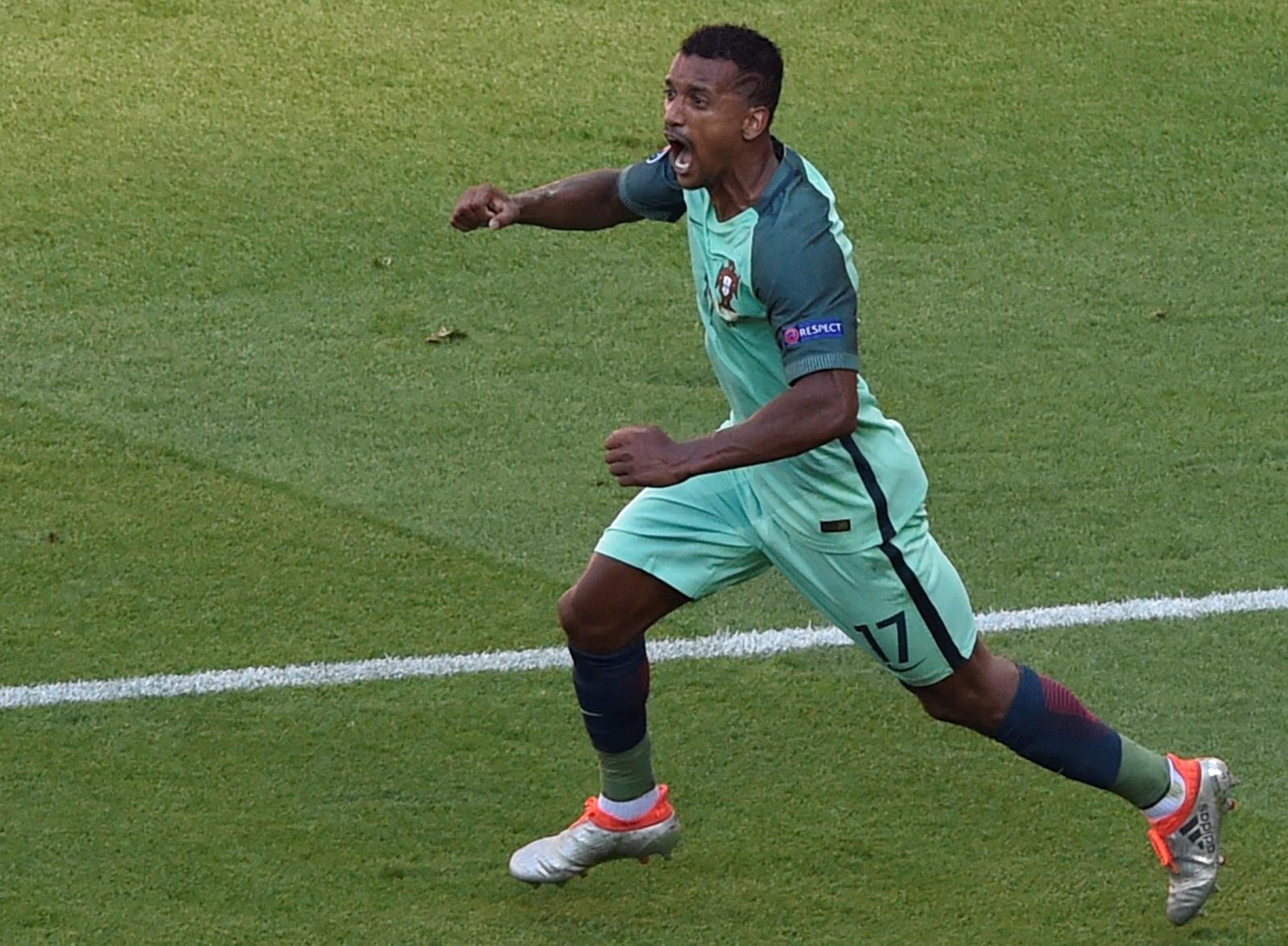 Nani celebrates his goal