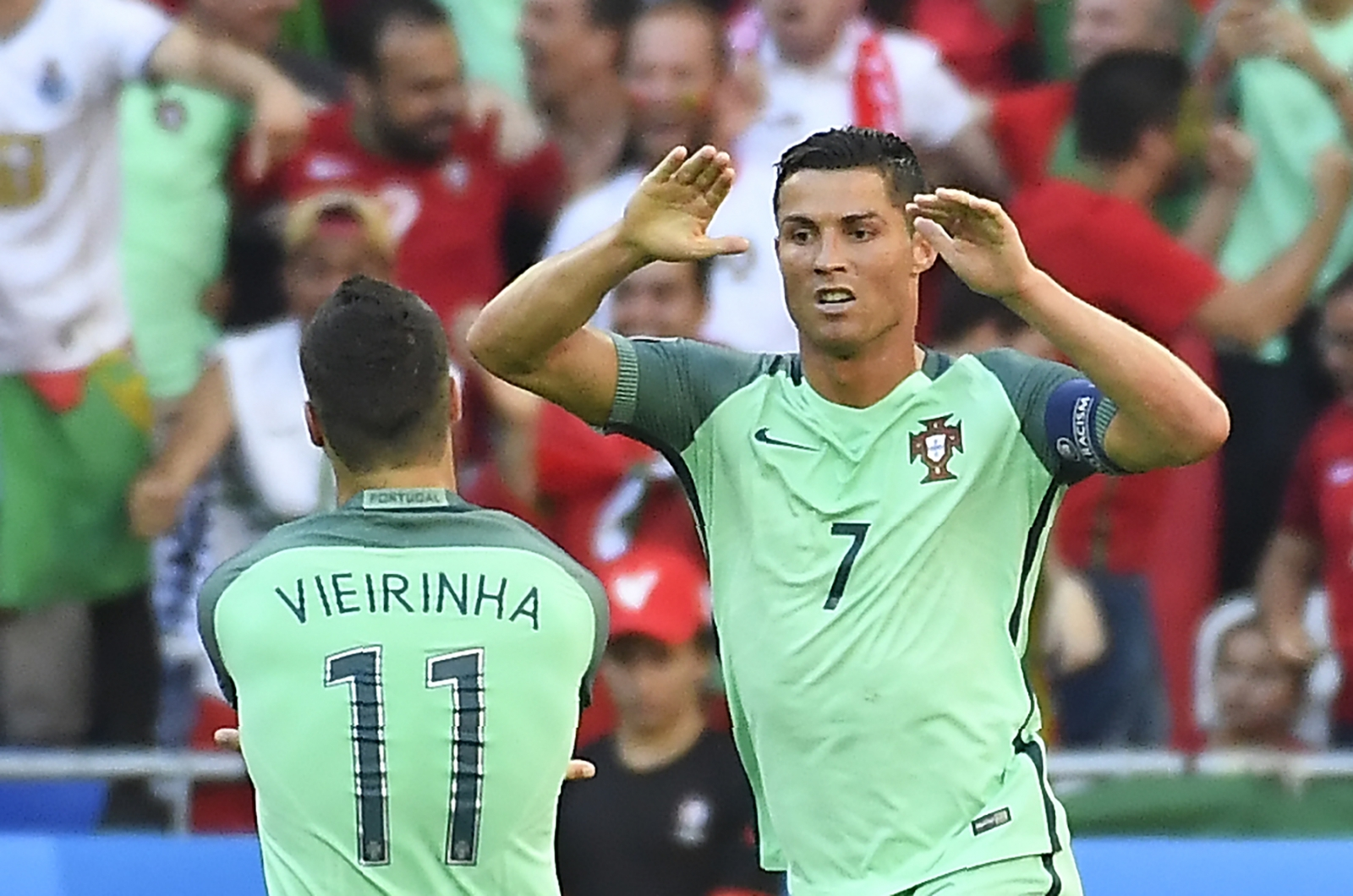 Ronaldo celebrates in Lyon