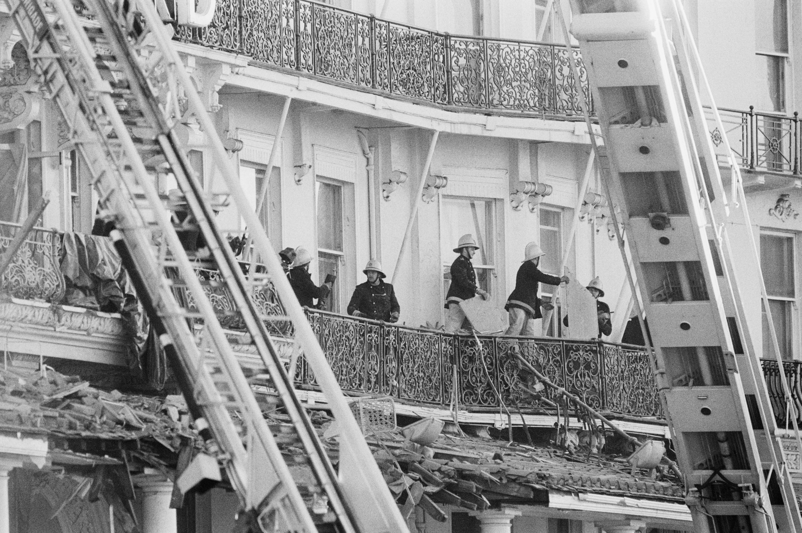 Rescuers who attended scene of 1984 Brighton bombing warned of asbestos risk