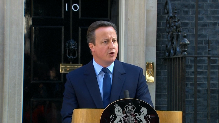David Cameron announces he will resign