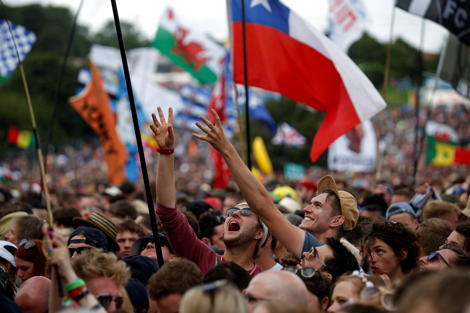 Glastonbury 2017 tickets sell out despite see tickets website crash