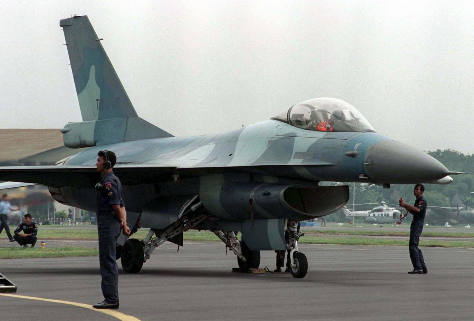 Indonesia Scrambles Fighter Jets To Intercept Malaysian