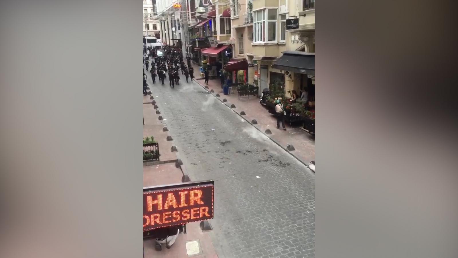 Istanbul gay pride police fire tear gas