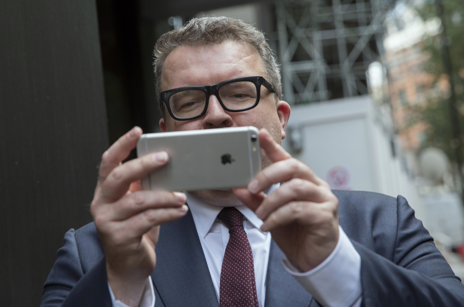 Tom Watson and his iPhone