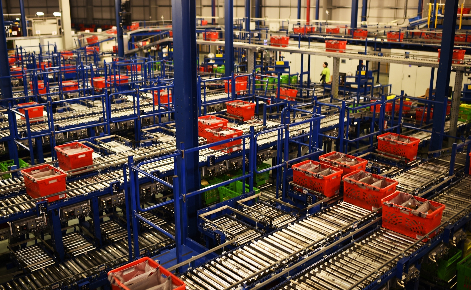 Ocado reports increase in revenues and profits for the first half of 2016