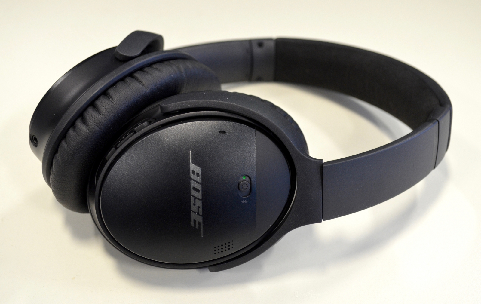 Bose QuietComfort 35 review: The wireless, noise-cancelling headphones ...