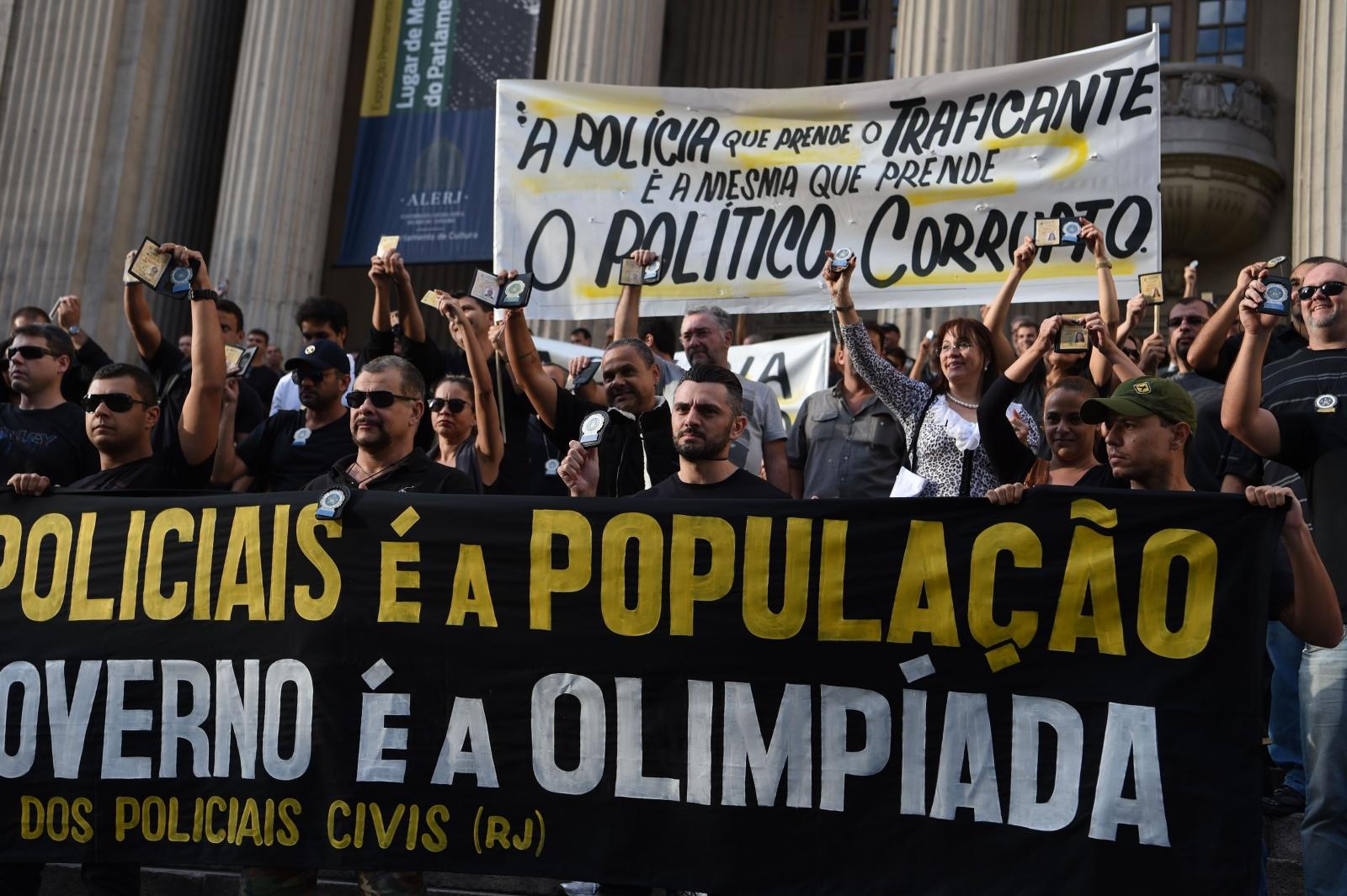 Rio Police Protest