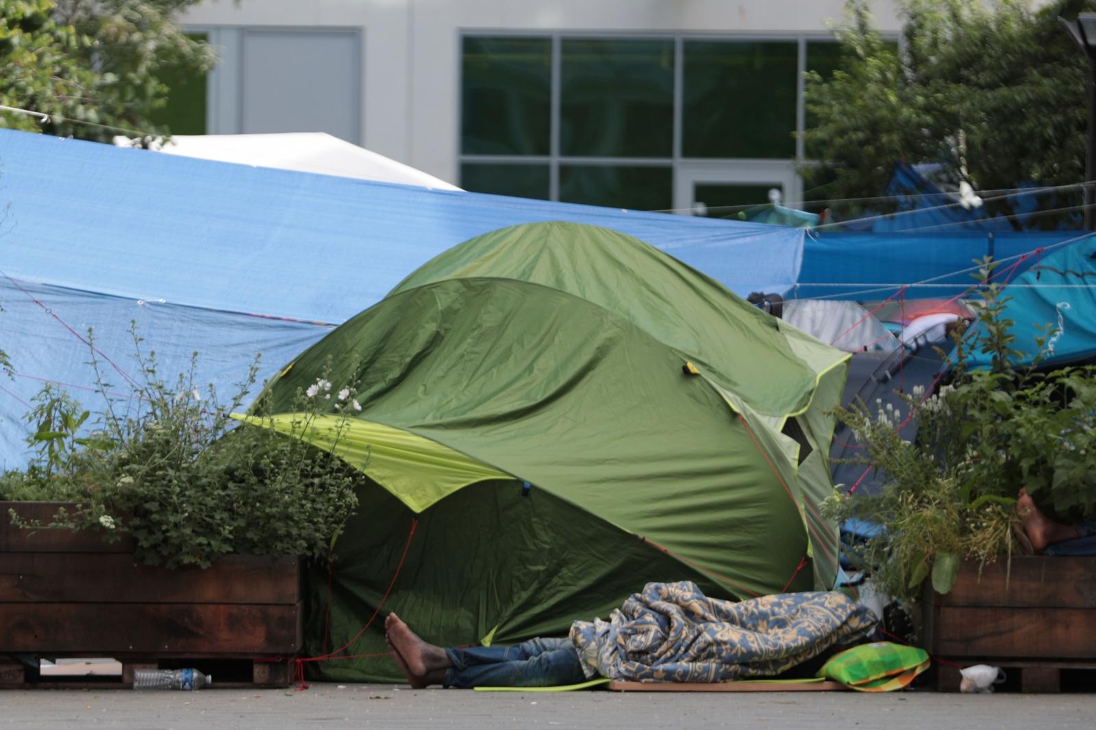Migrant camp at Hall 'Pajol'.