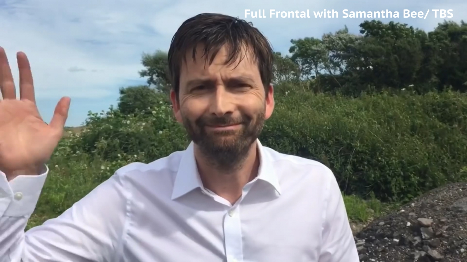 David Tennant reads out Scottish tweets