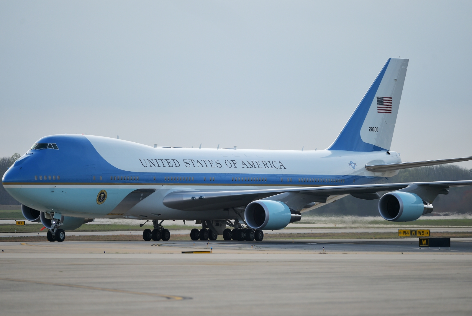 Donald Trump says Boeing should have Air Force One ...