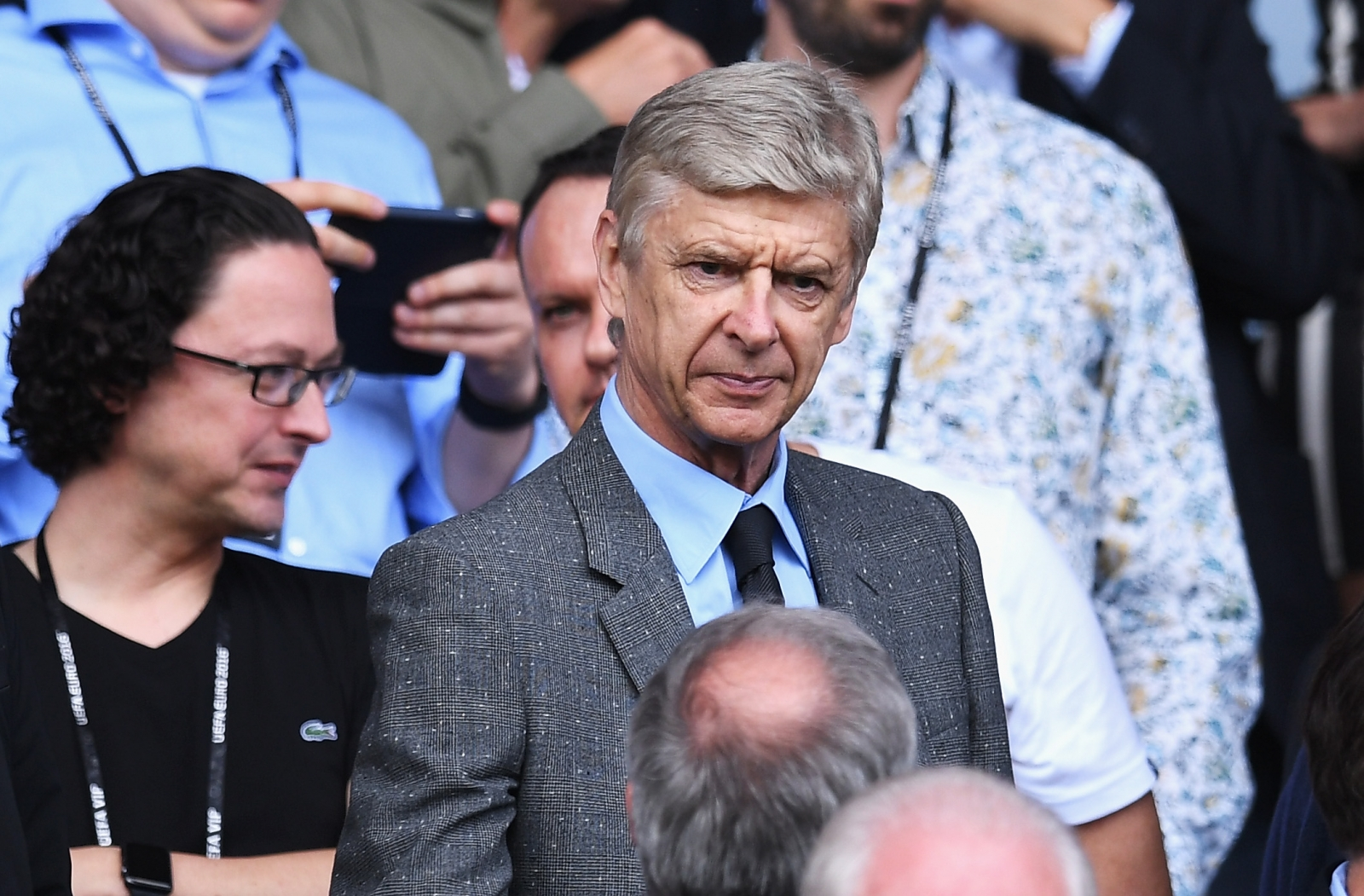 Arsenal FC Hopeful Wenger Will Stay Put Despite England Pursuit