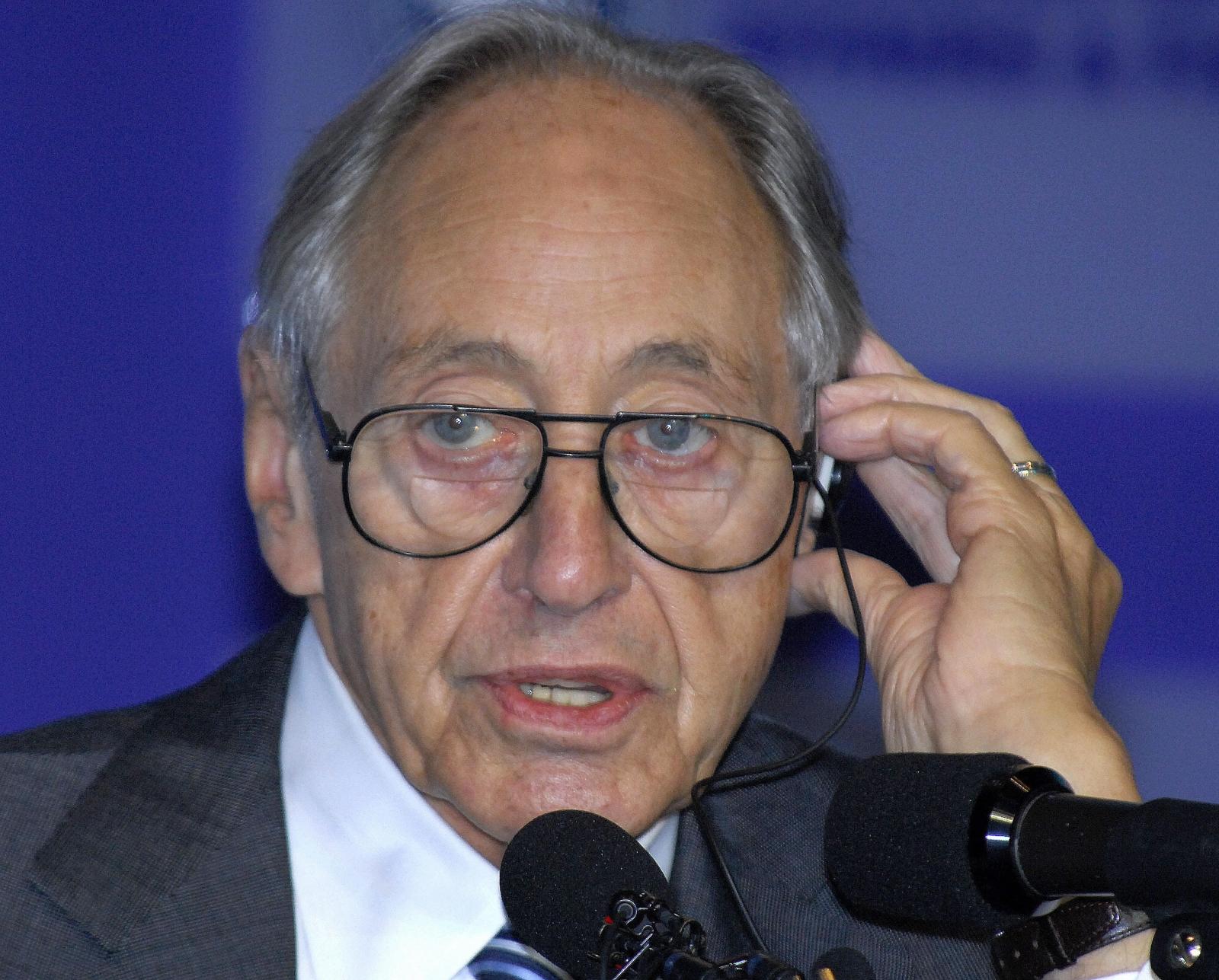Futurist Alvin Toffler
