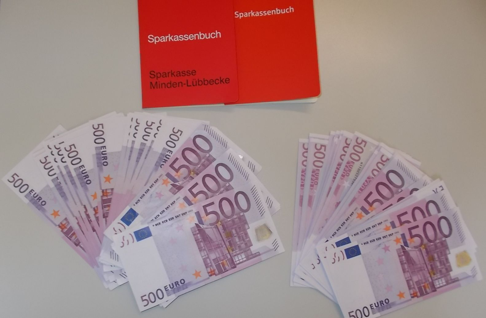 Syrian Refugee finds money