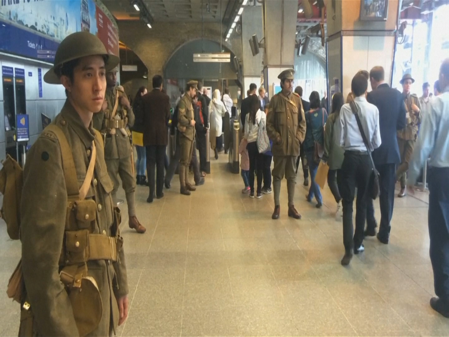 Actors pay tribute to WW1 dead