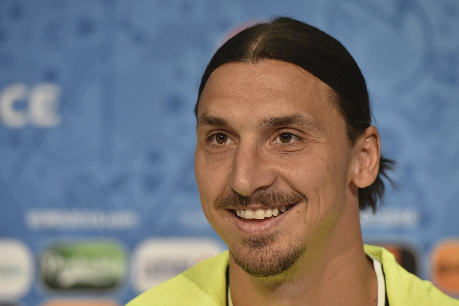 Zlatan Ibrahimovic to Manchester United: Transfer of controversial