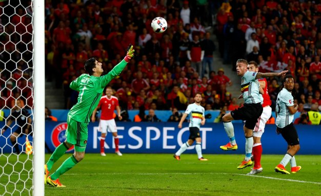 Sam Vokes finds the net
