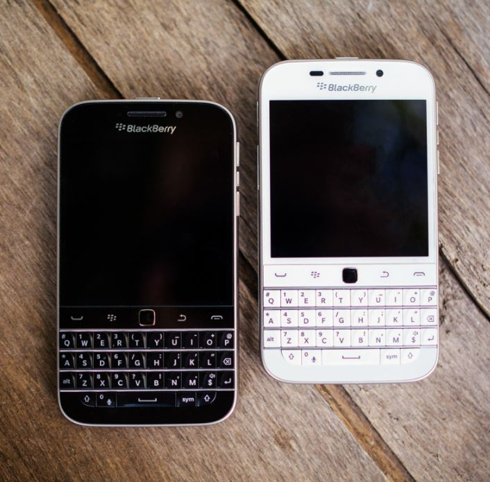 BlackBerry to halt production of Classic smartphone