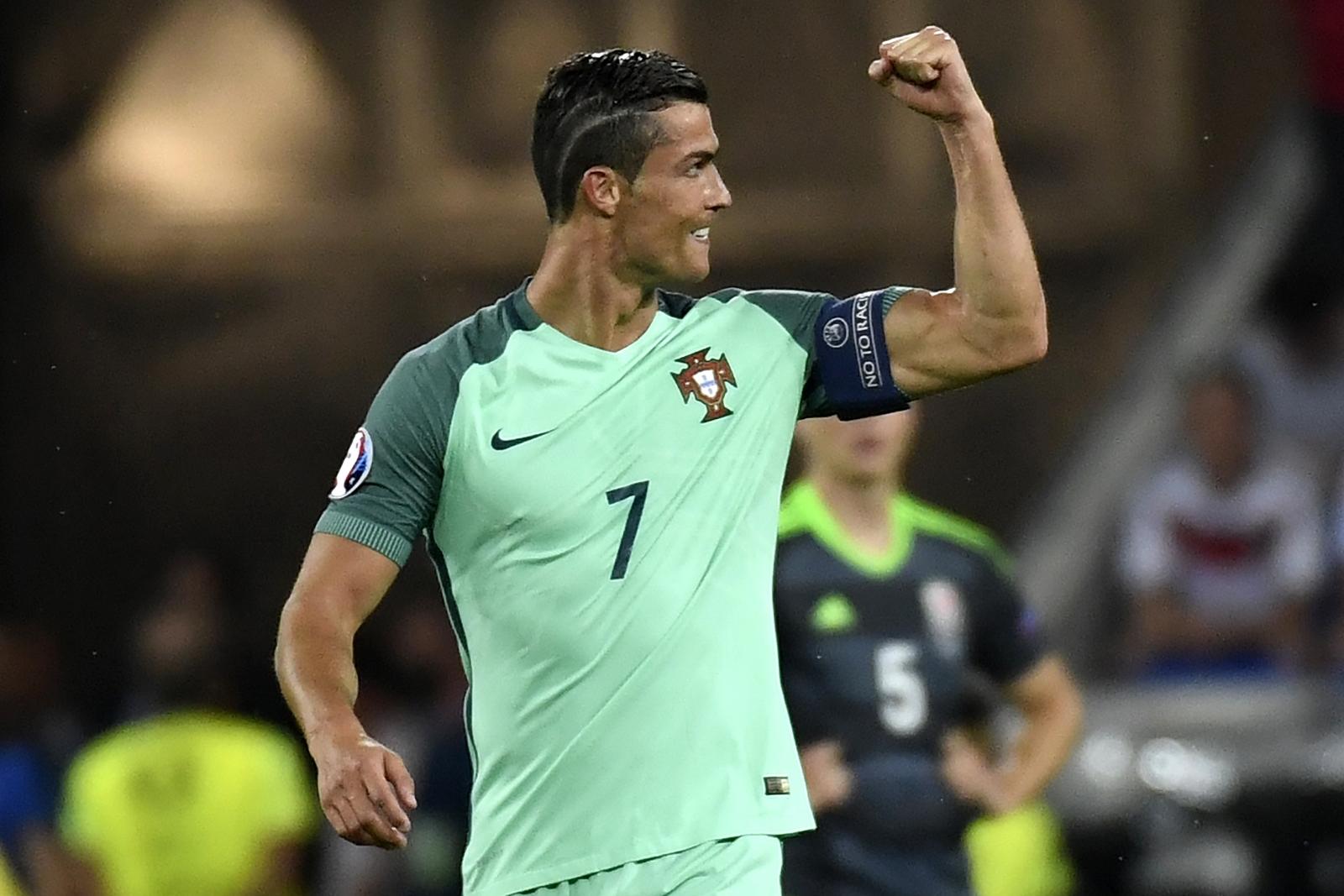 Ronaldo pumps his fist