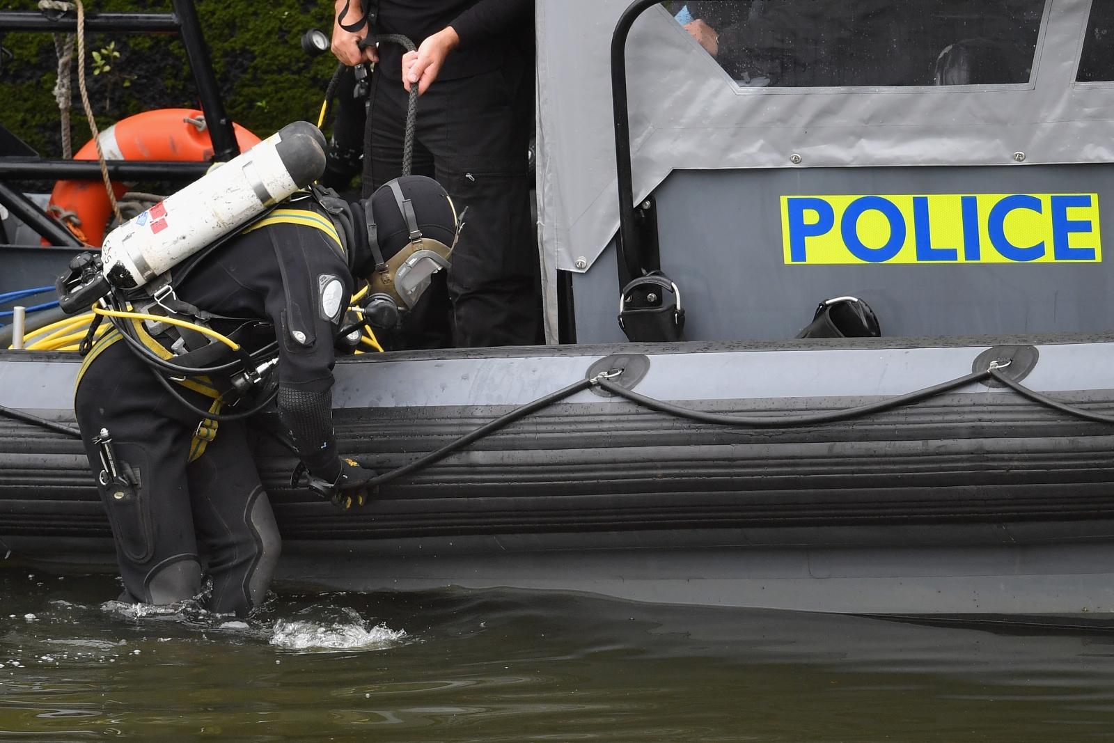 Scotland rescue divers