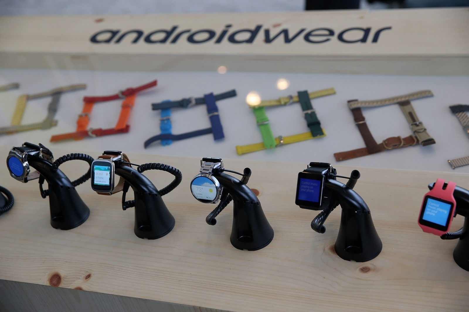 Google building two Android Wear smartwatches