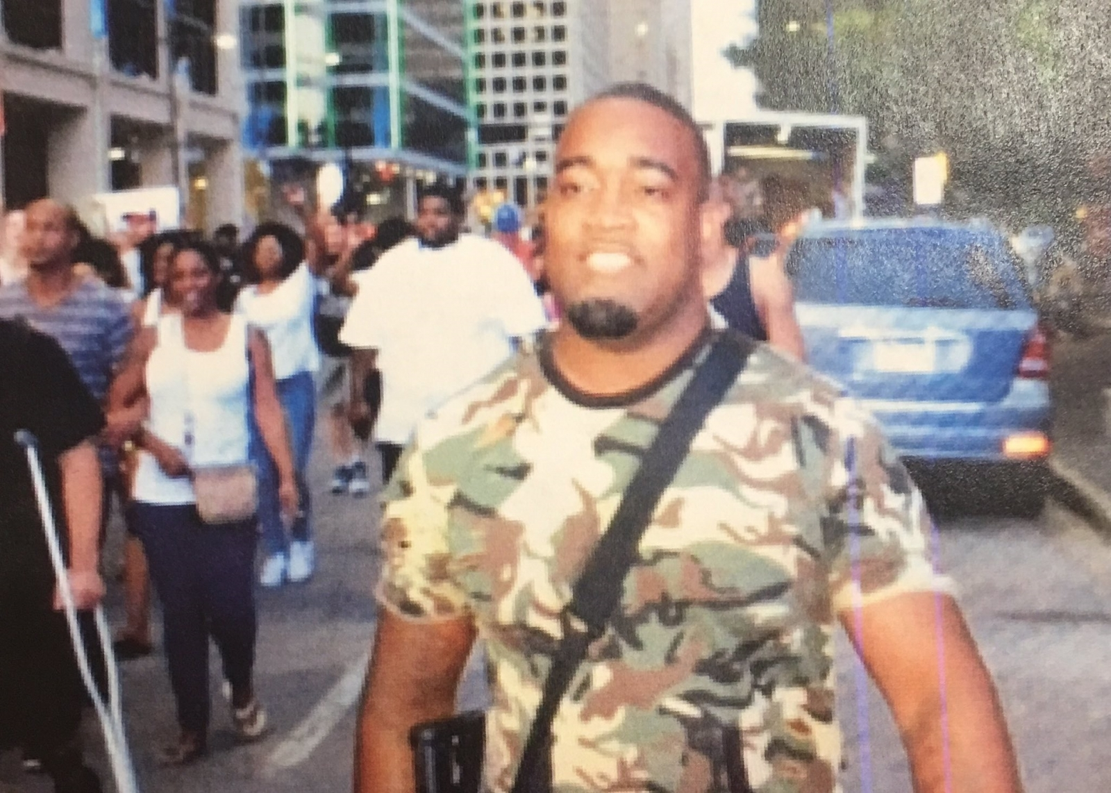 Dallas police slammed on social media for tweeting picture of innocent 'suspect'