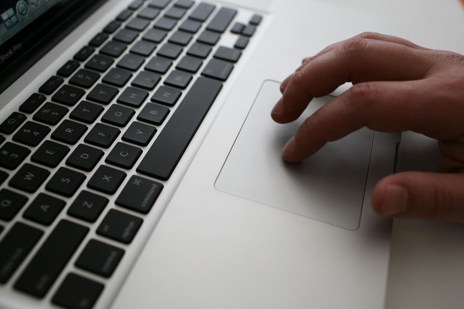 Laptop online porn