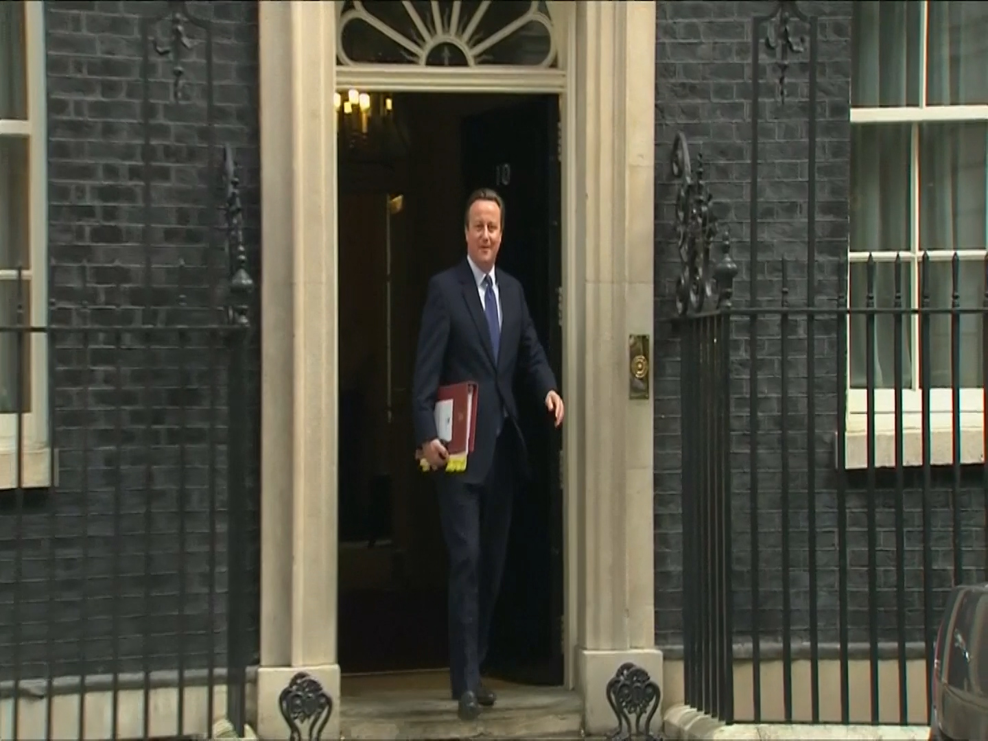 David Cameron leaves for PMQ's