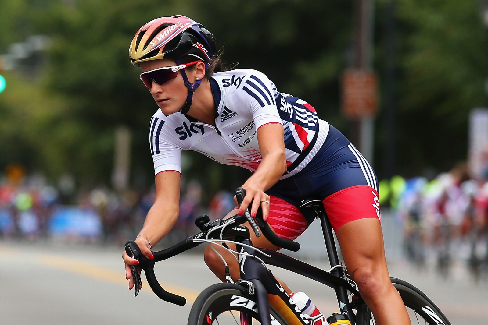 Rio 2016: British cyclist Lizzie Armitstead goes for gold