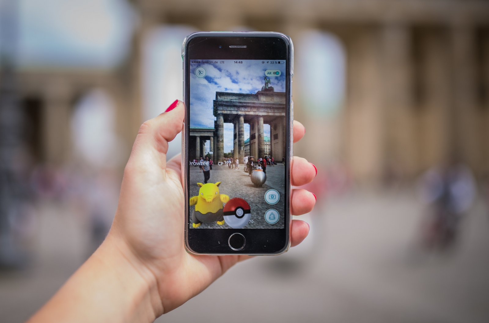 Pokemon Go fake Android app delivers first ever lockscreen malware that clicks on porn ads