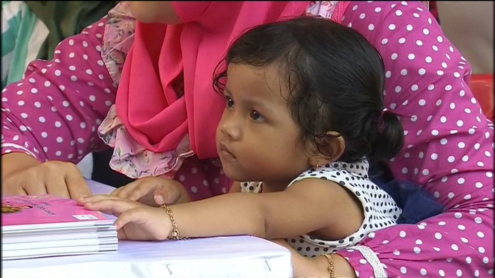 Children re-vaccinated in Java