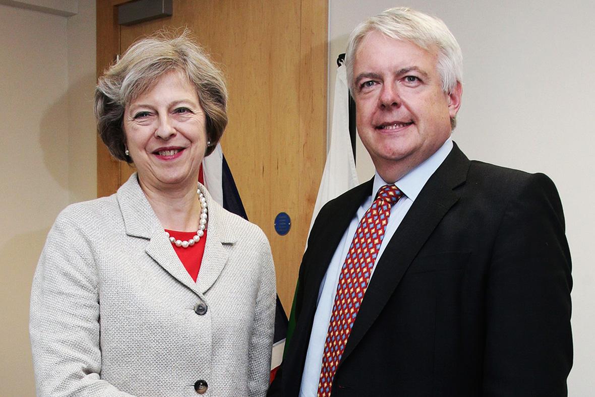 Theresa May, Carwyn Jones
