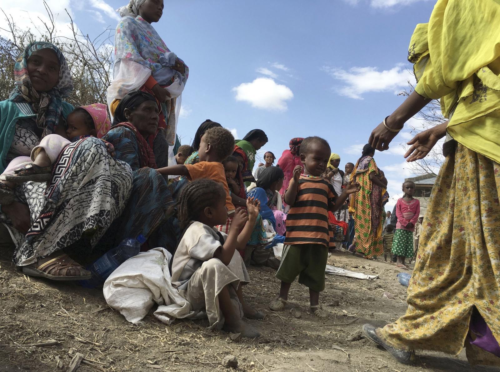 children unicef starving nigeria malnourished starvation malnutrition african africa ethiopia borno village hundreds hampers drive double number halo haram boko