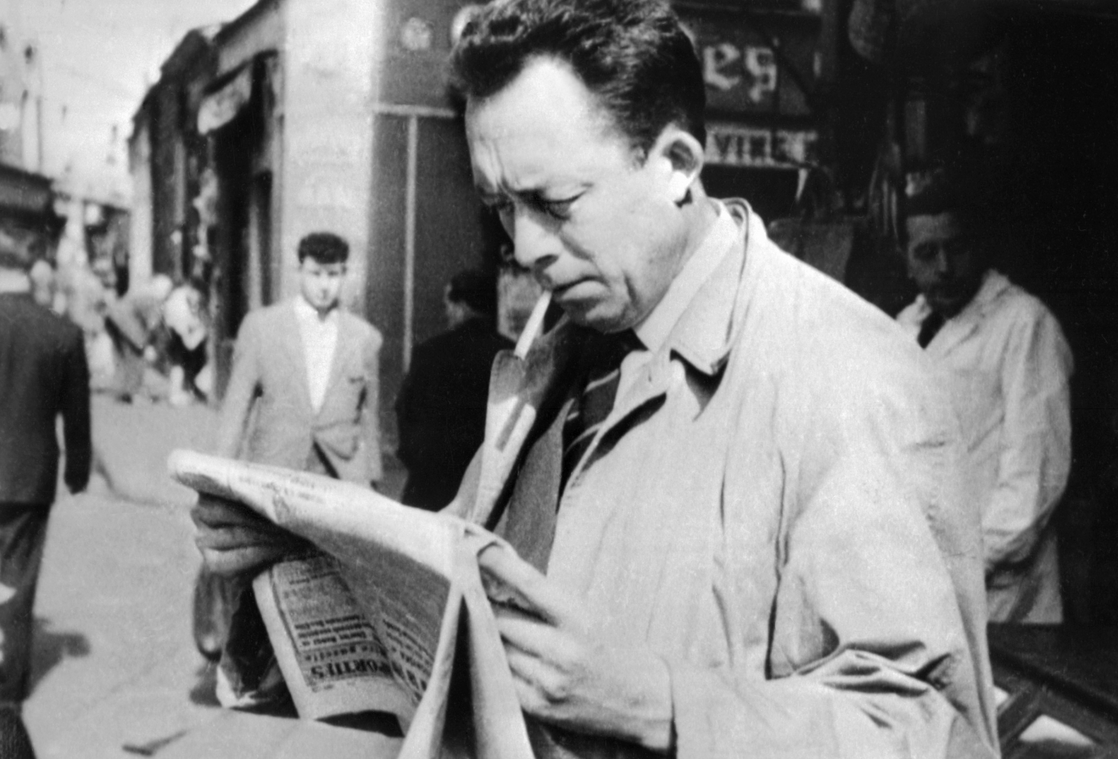 albert camus smoking cigarette ban France