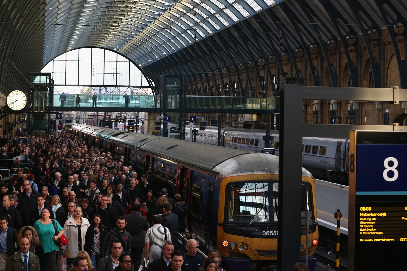 London transport crowds