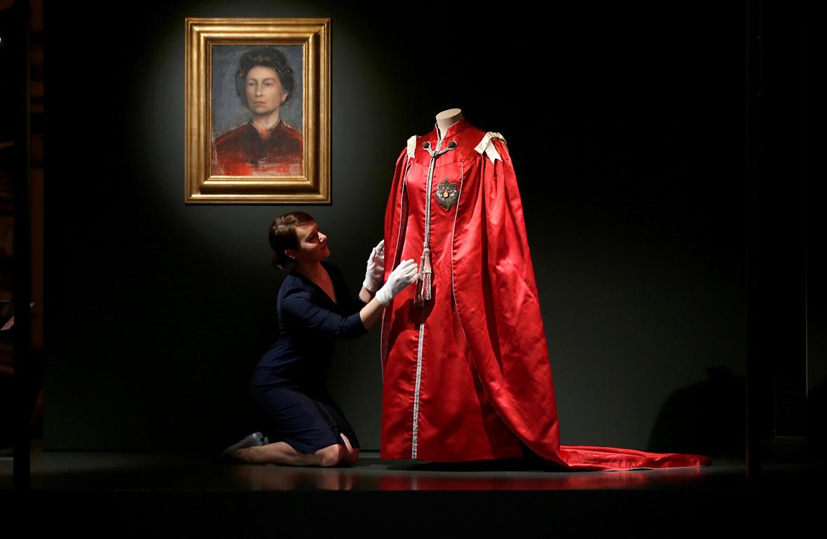 Fashioning a Reign