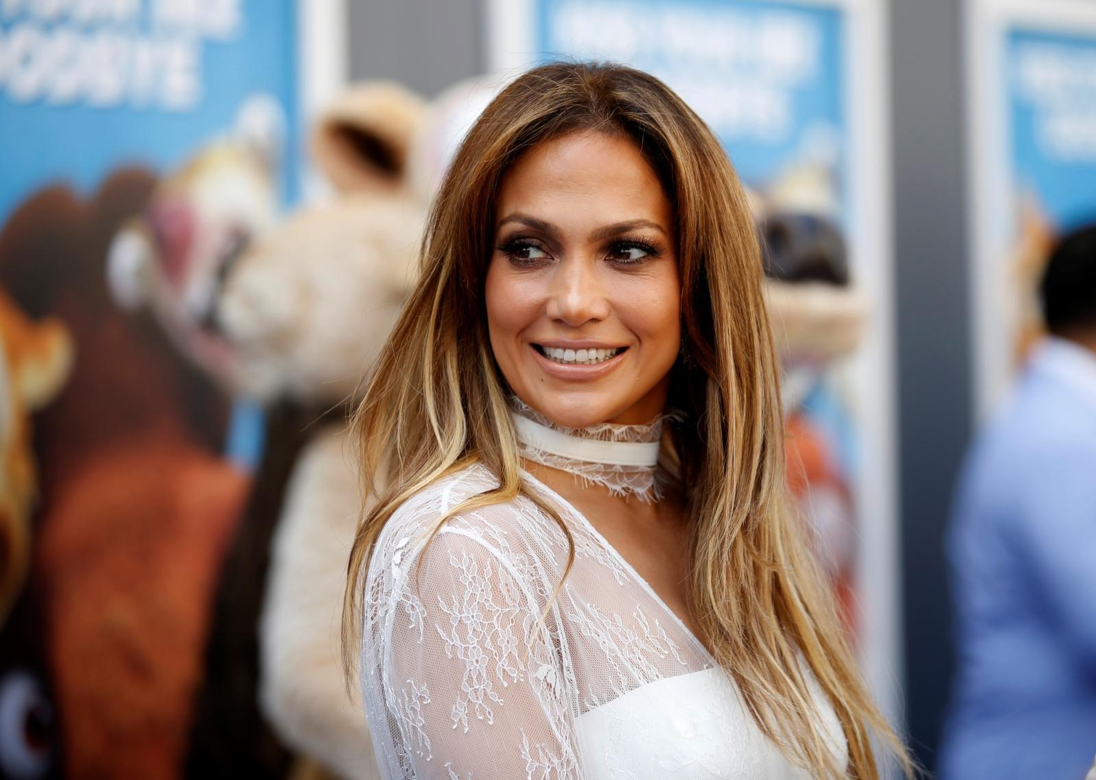 Jennifer Lopez shares sexy selfie, tells her fans to 'love yourself ...  Jennifer Lopez
