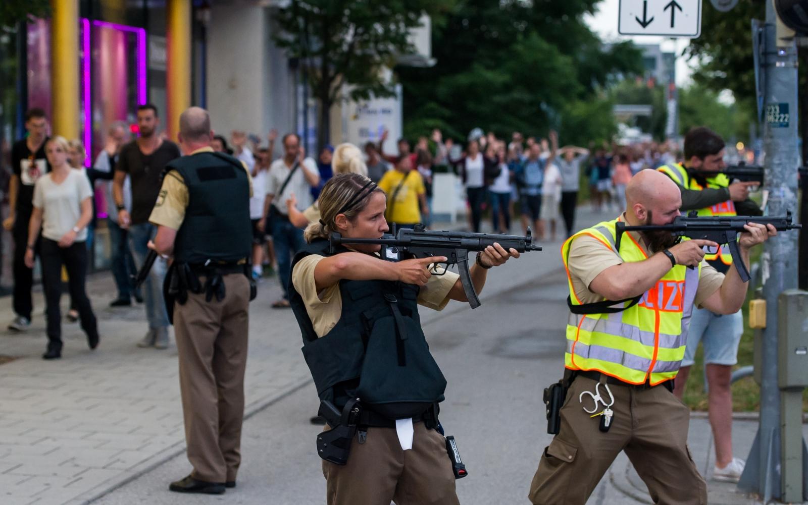 munich shooting people fleeing scene