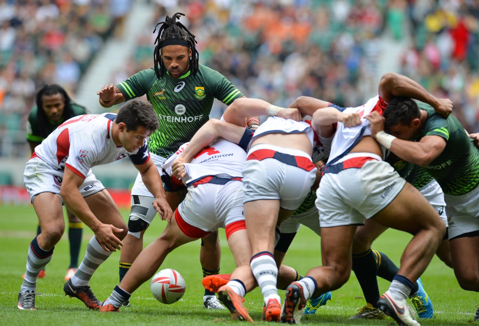 Rugby sevens scrum