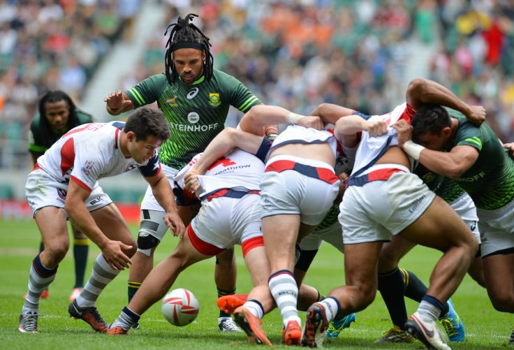 Rugby sevens scrum