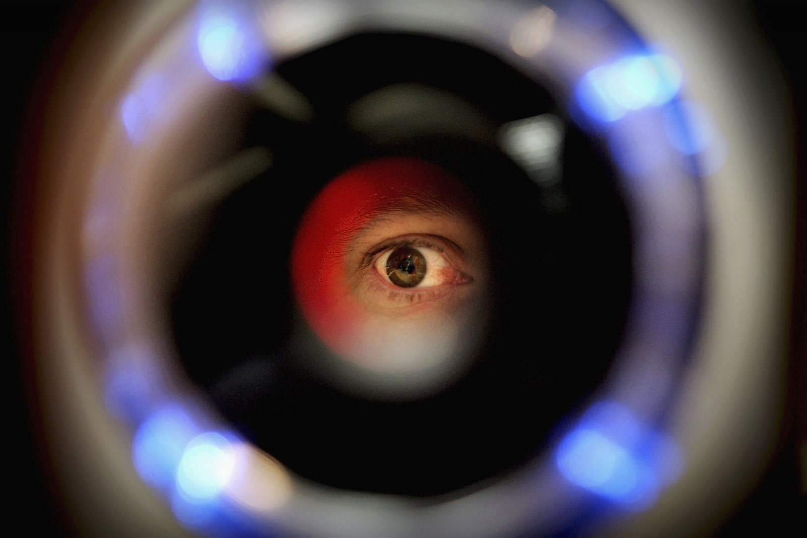 2018 iPhone to feature iris scanner