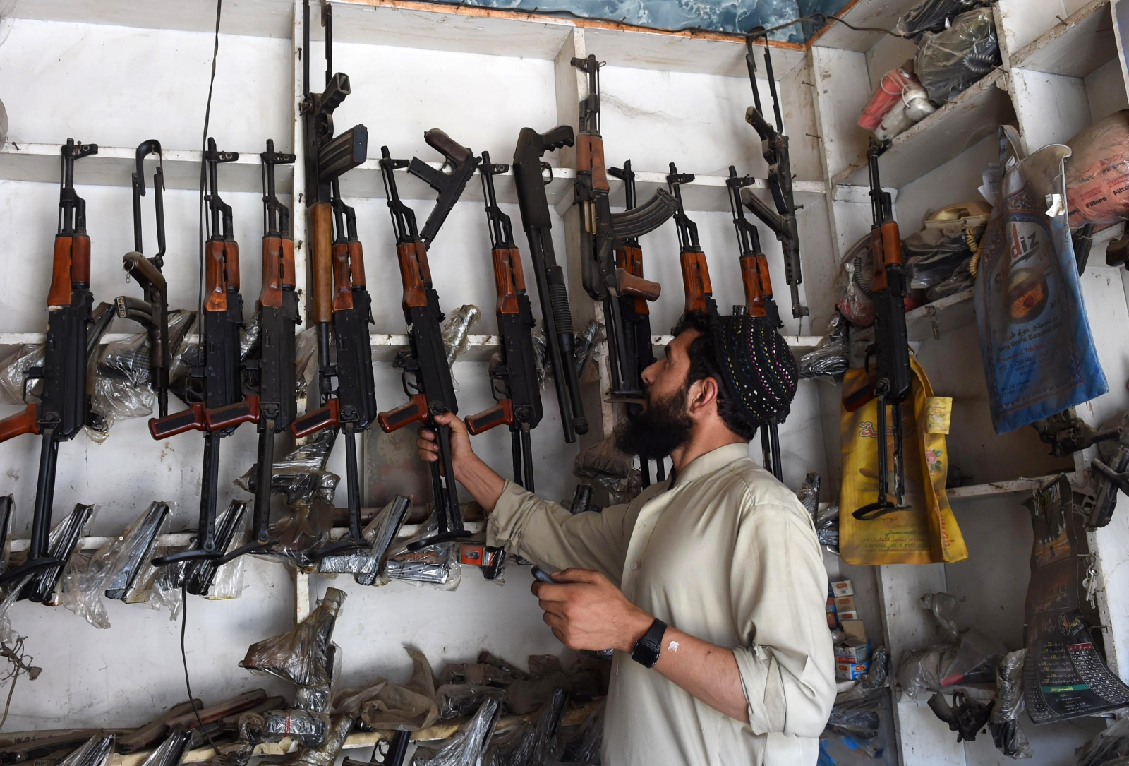 Pakistan In Arms Bazaar Near Peshawar Kalashnikovs Are