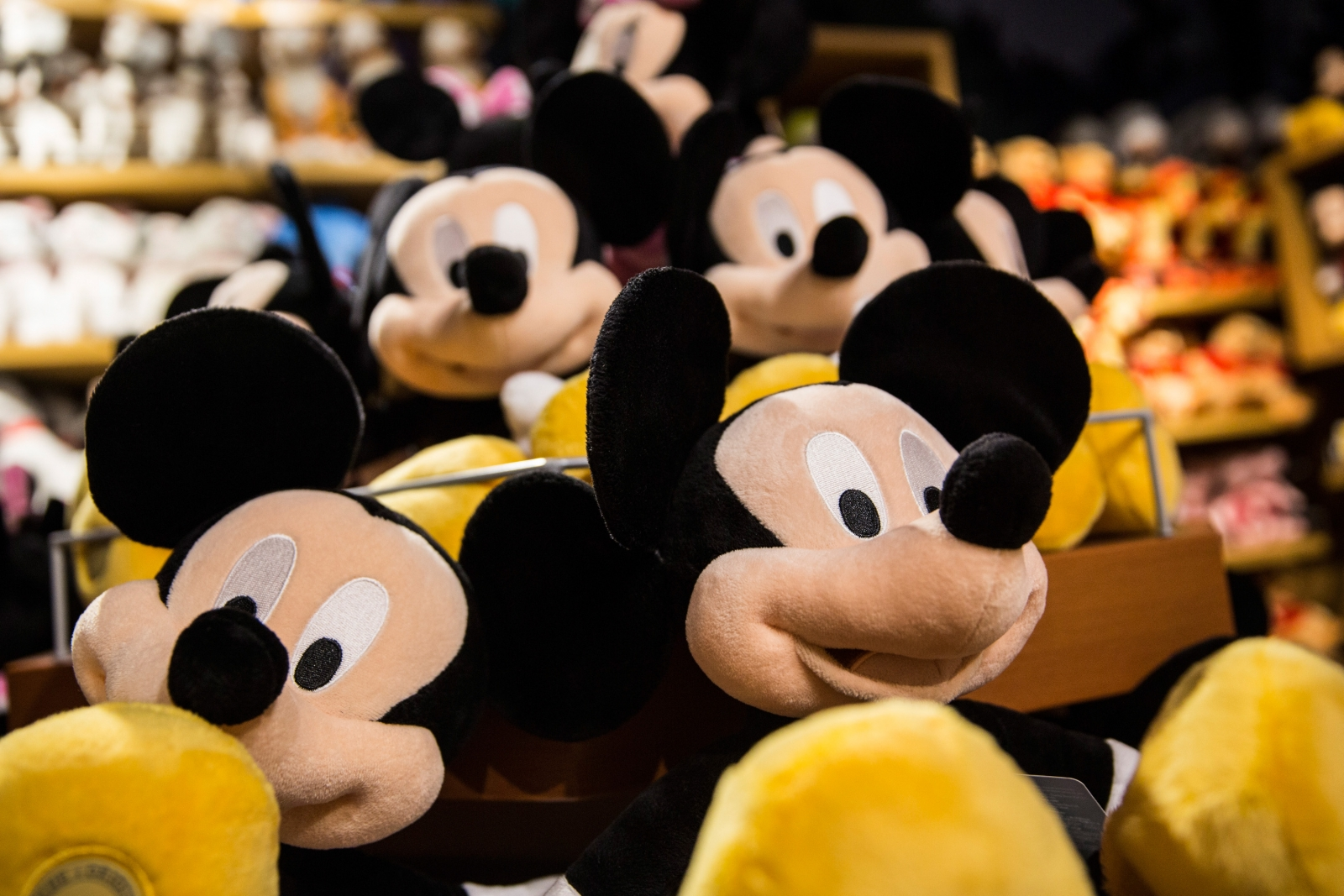 Mickey Mouse hacked: Disney Playdom forums shut down following data breach