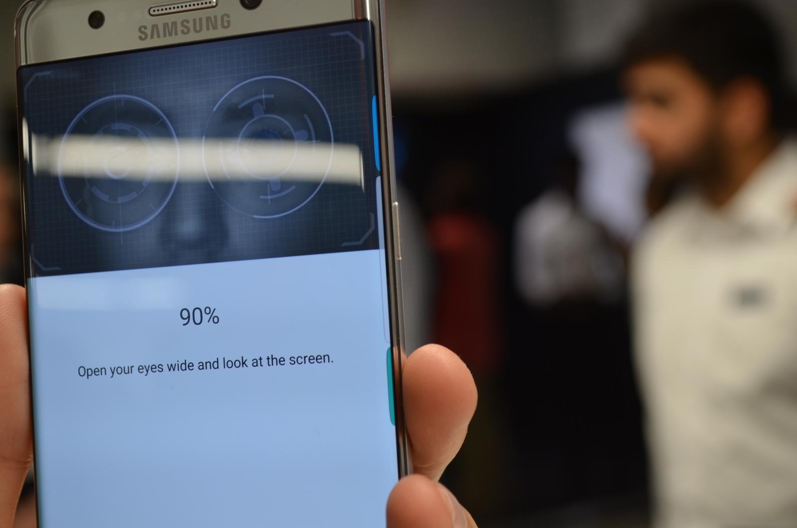 Samsung Note 7 iris scanner
