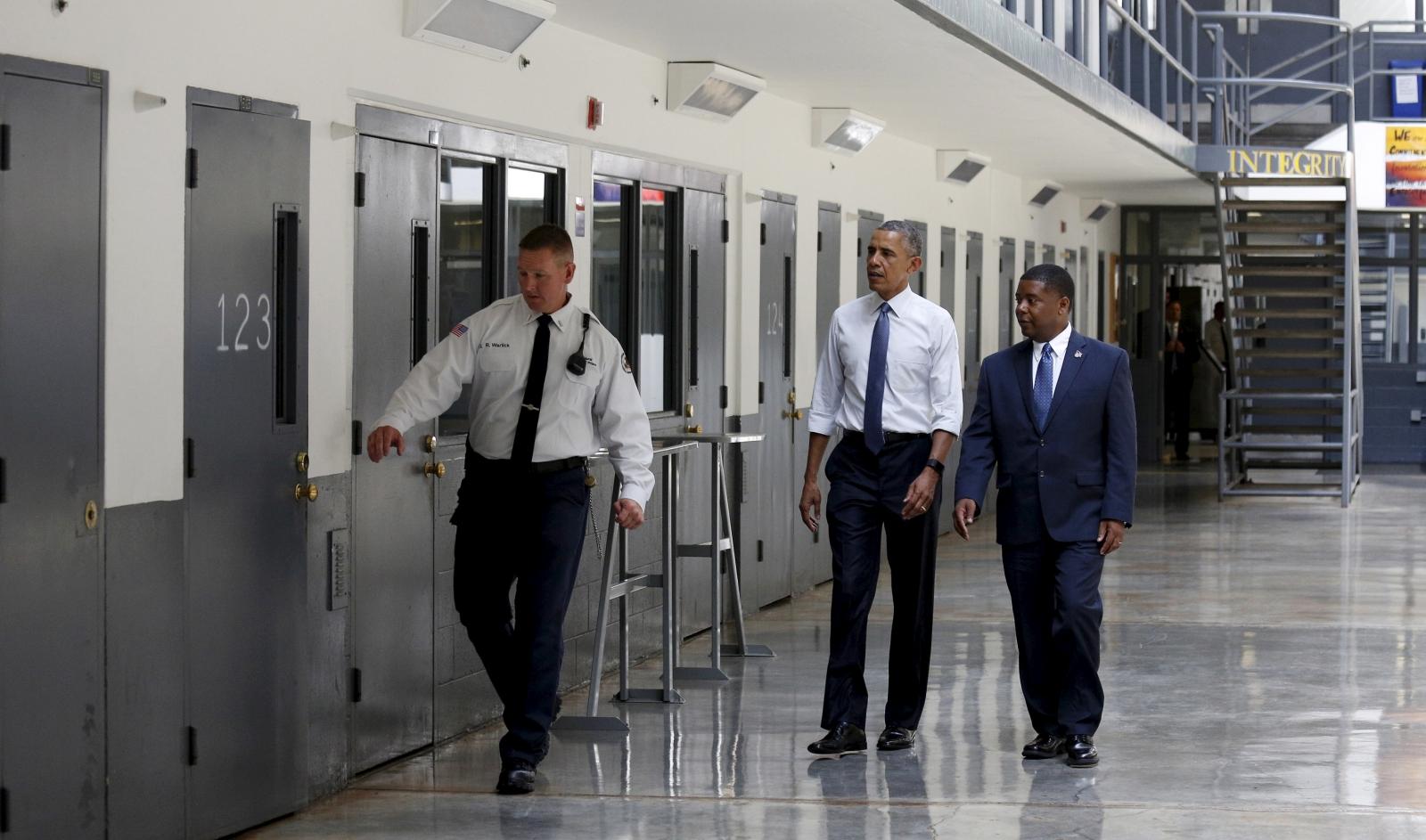 President Obama visits prison