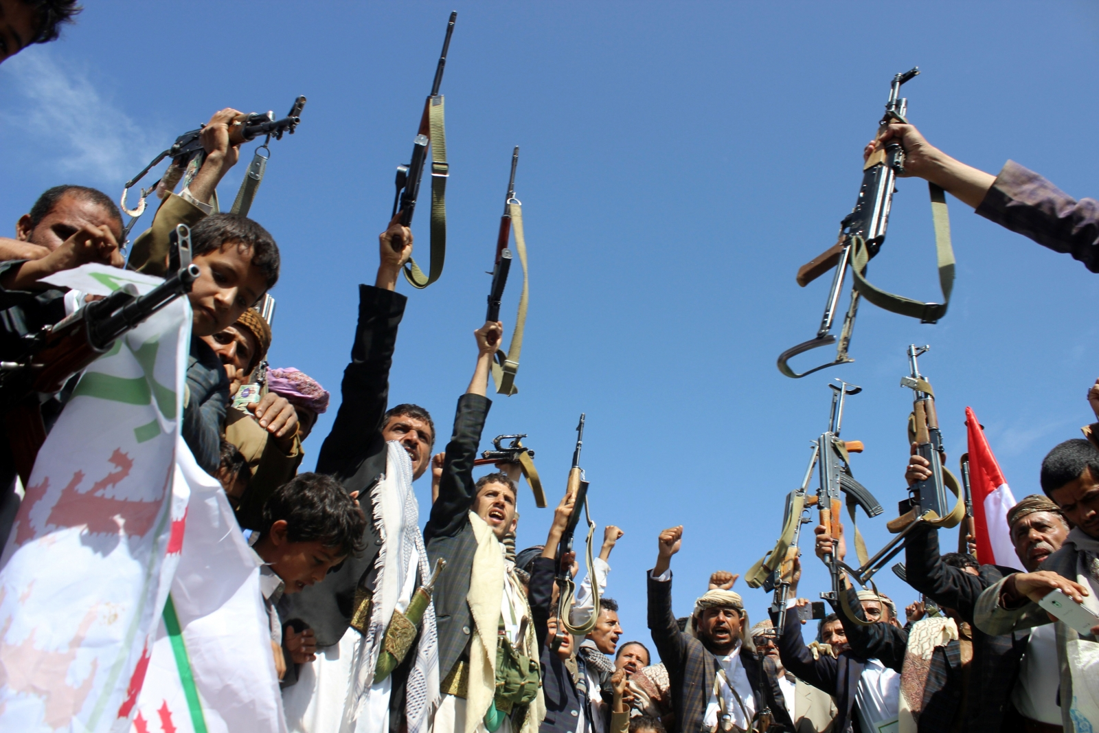 All sides violate humanitarian law in Yemen