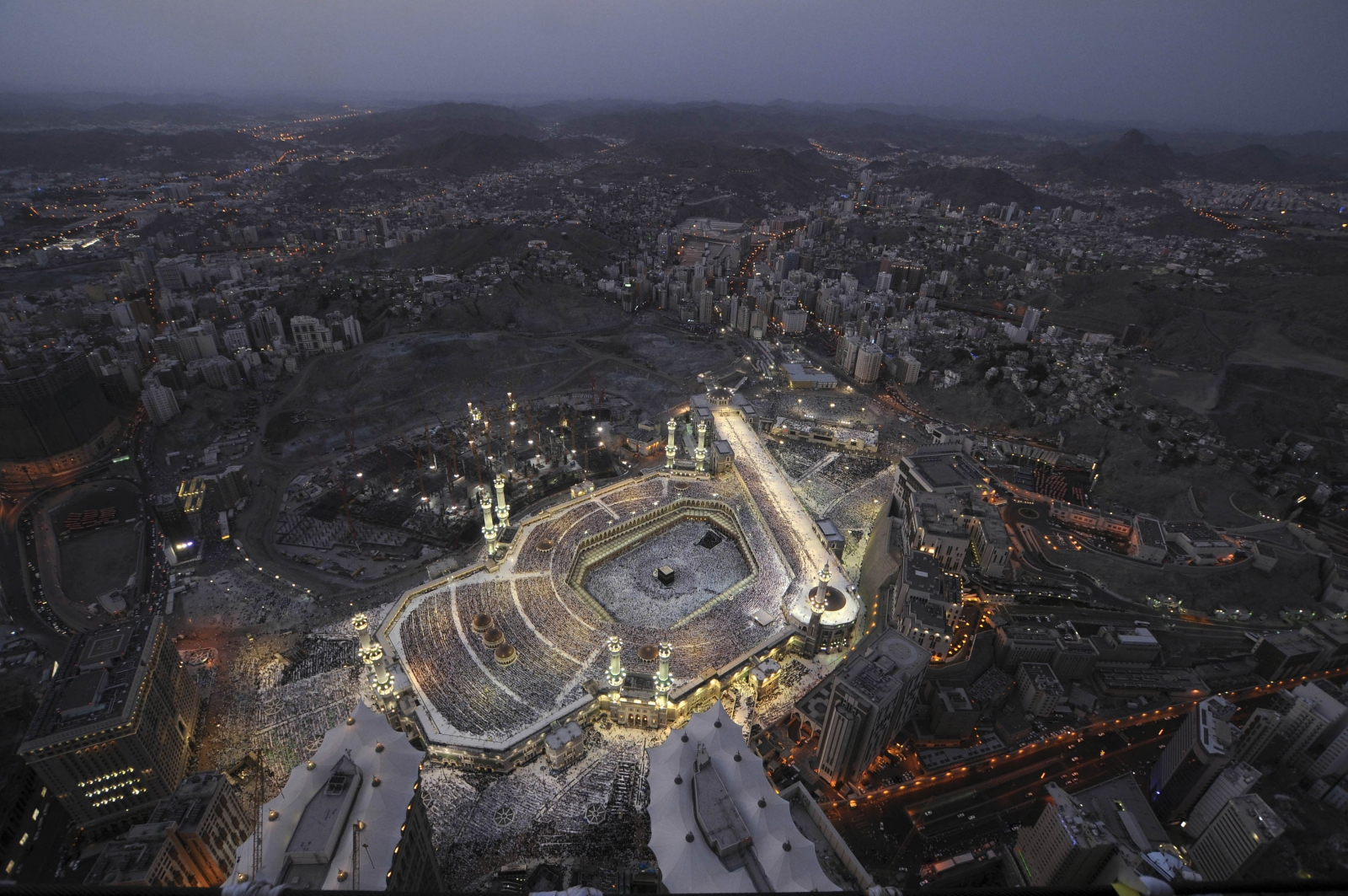 saudi arabia: world's largest hotel being built in holy city of