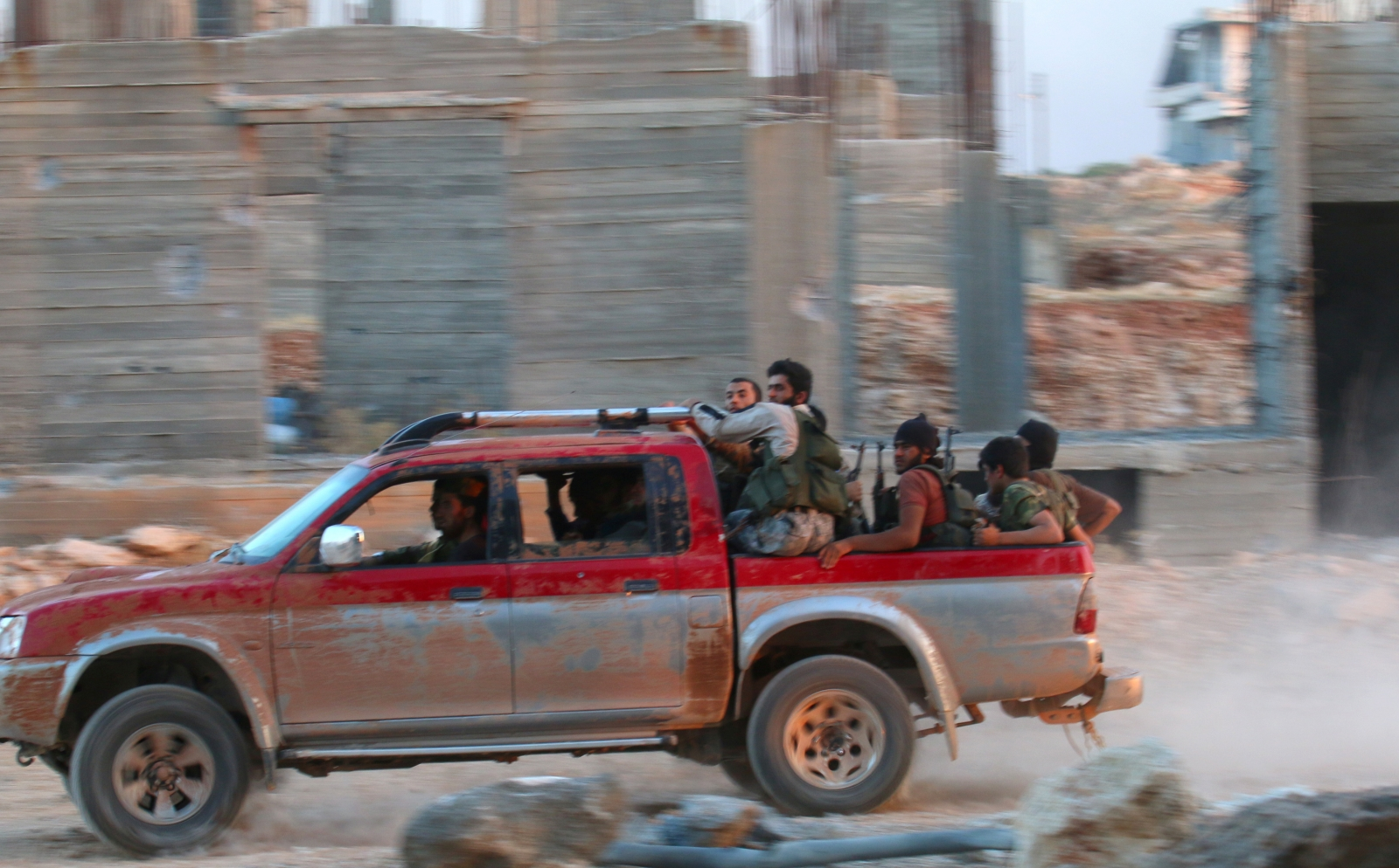 Syria rebels 'break siege on Aleppo'