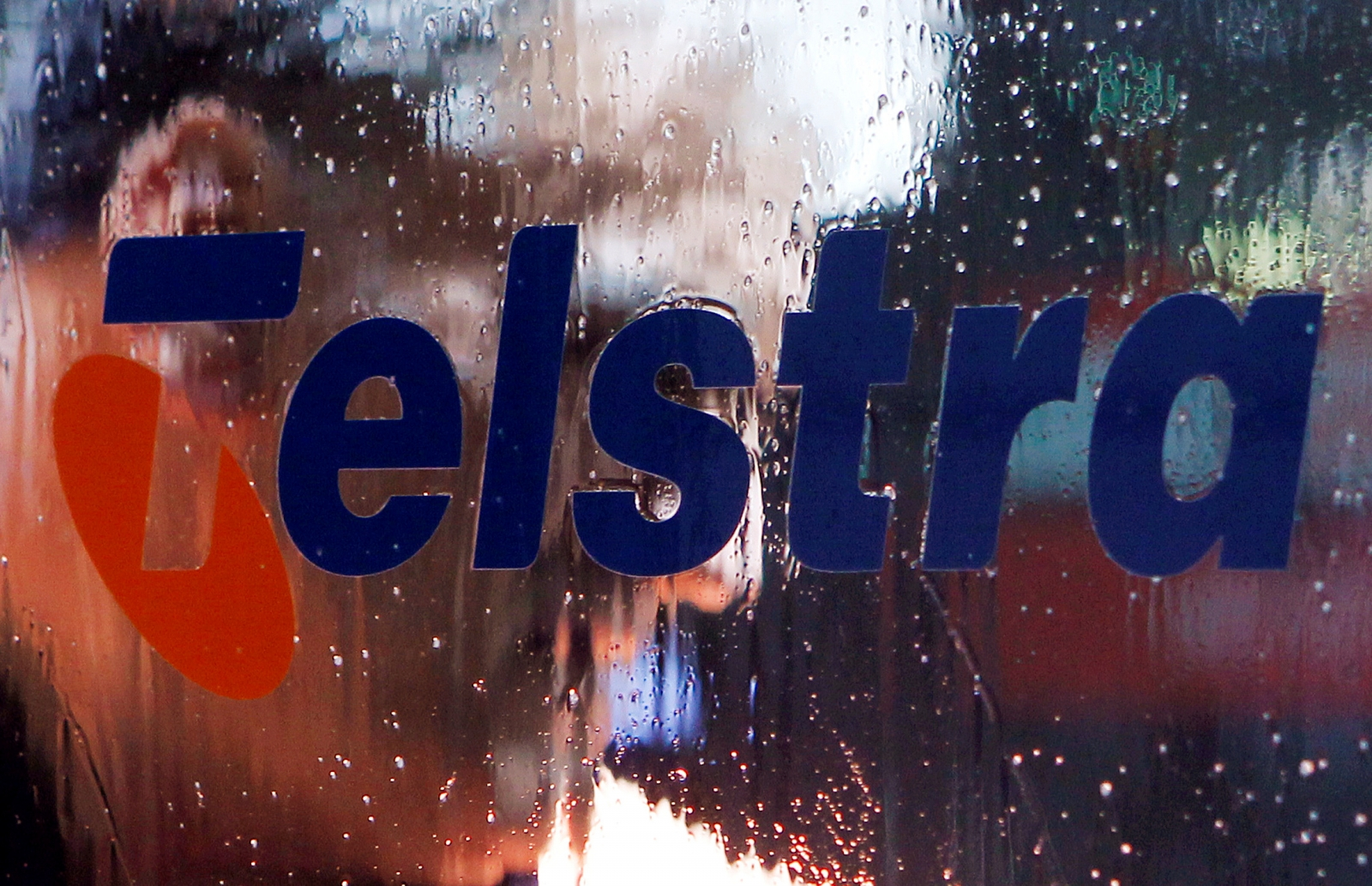 Telstra considering cutting over 200 jobs, most of which may be outsources